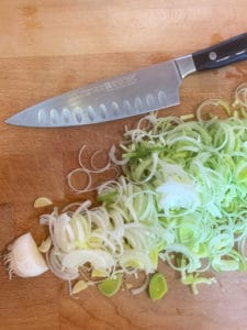 A picture of leek sliced