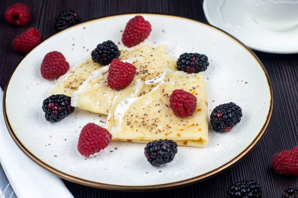 Vegan crepes with Raspberries & Blueberries